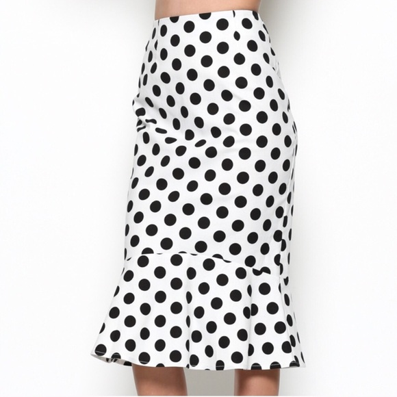 Dresses & Skirts - Polka dot ruffle hem skirt